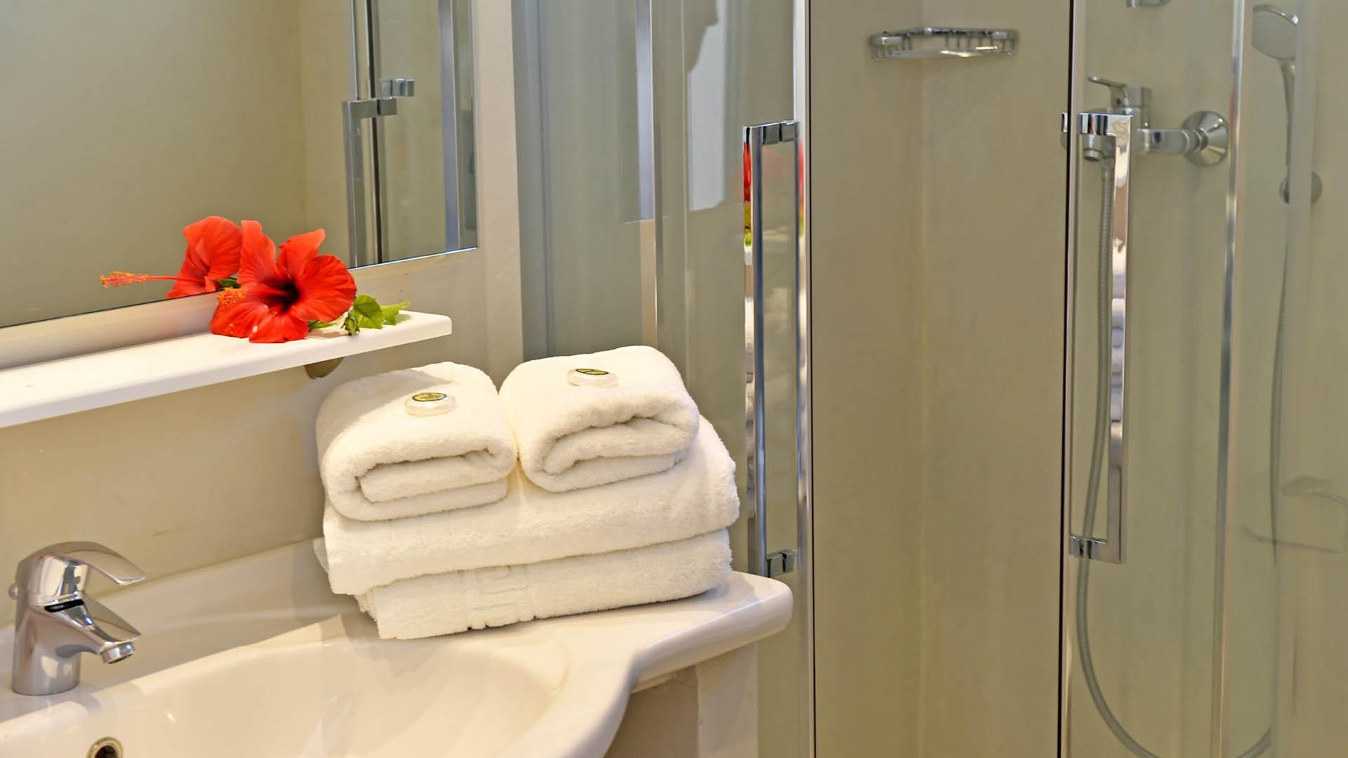 Η-_0000_03kalypsohotel-double-triple-rooms