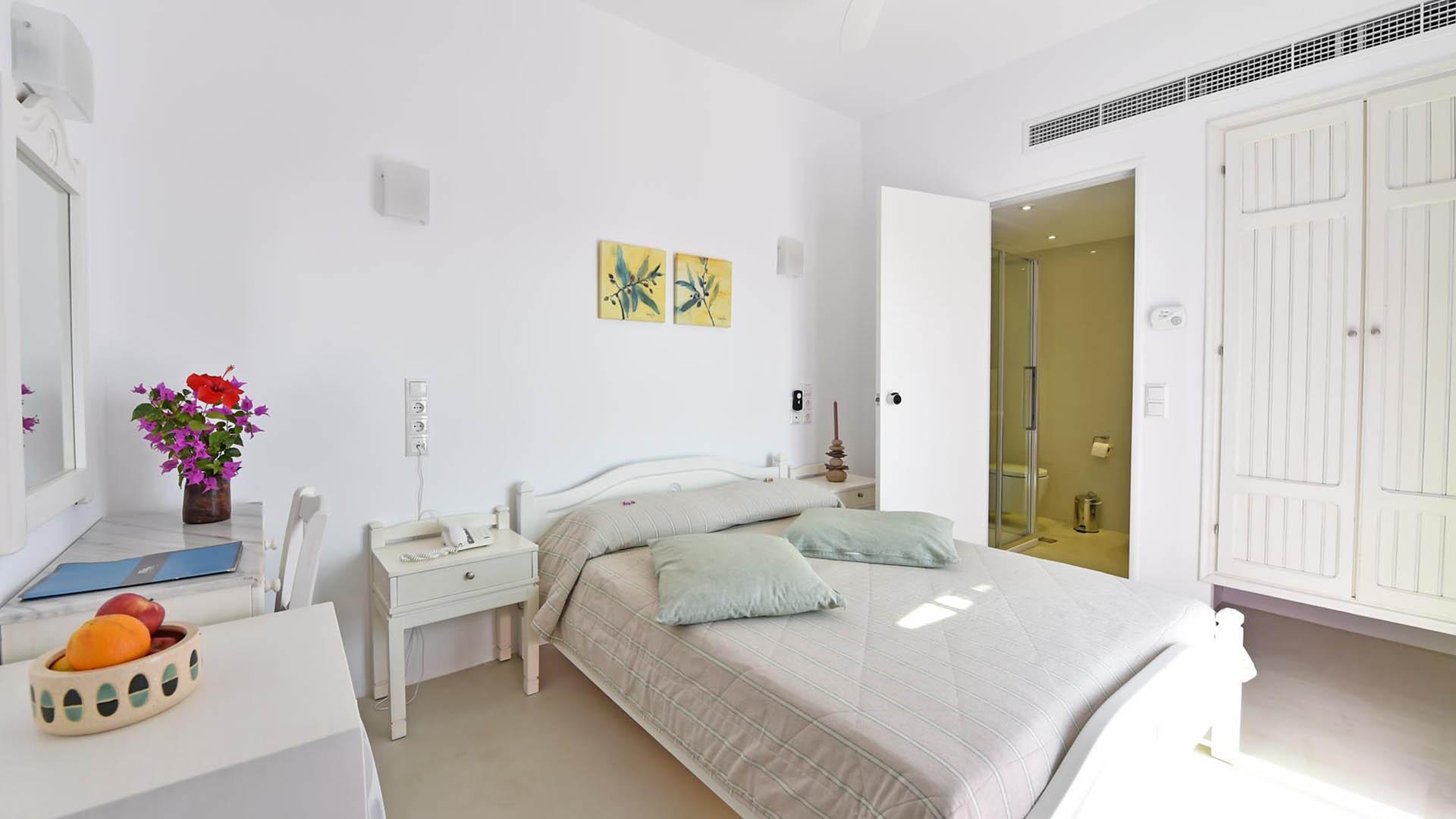 Η-_0000_single-rooms-paros03