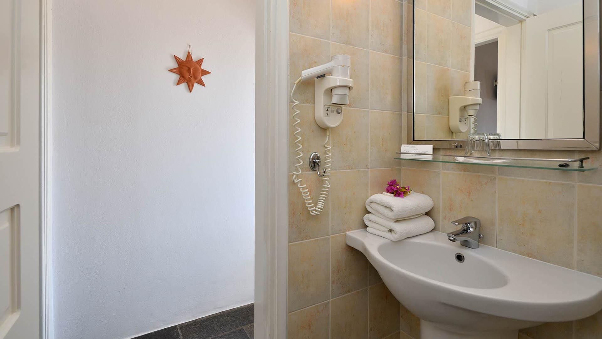 Η  0002 Kalypso Apartments Paros Studios03
