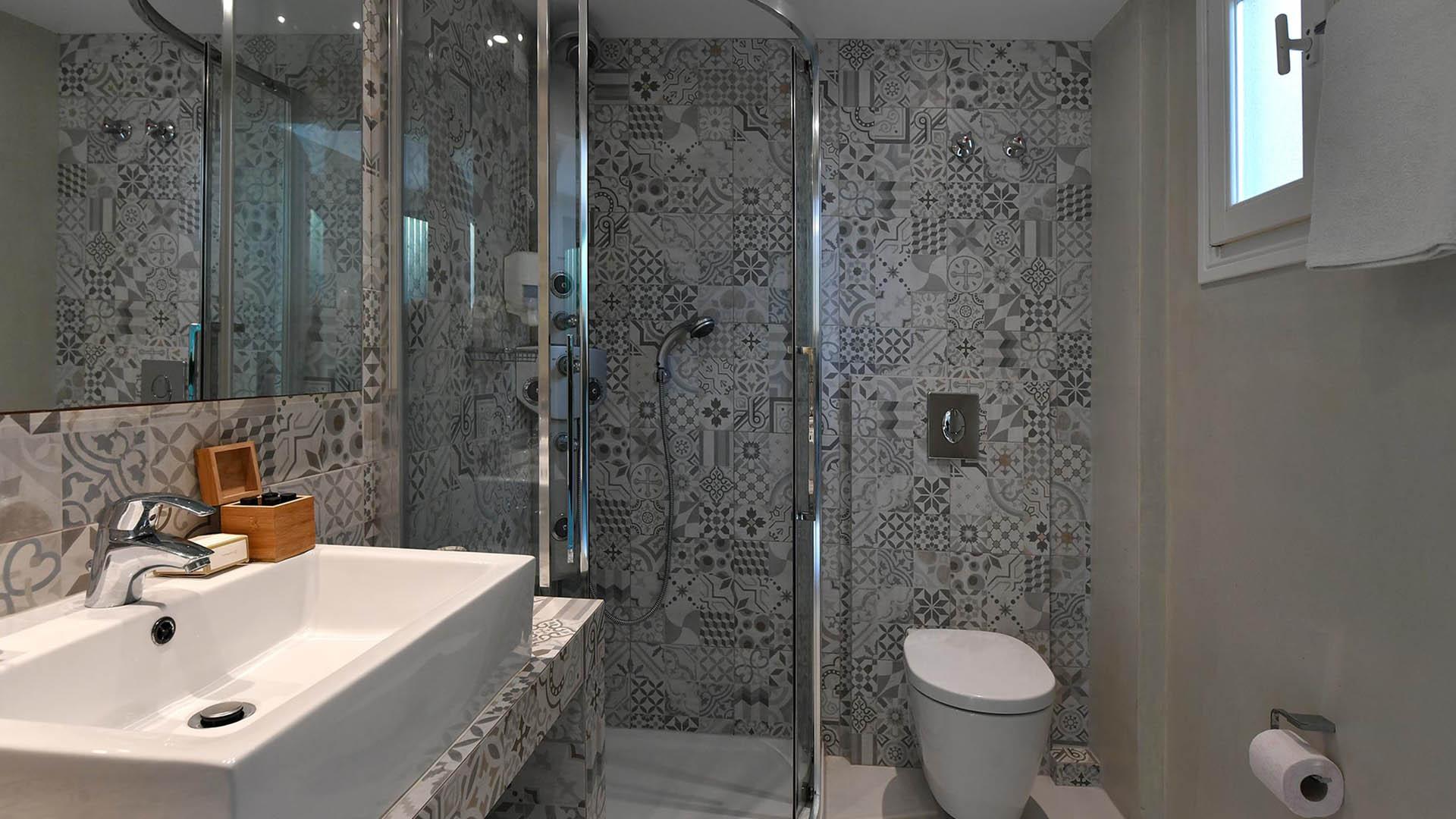 Kalypso Hotel – Suites 2 4 (6)