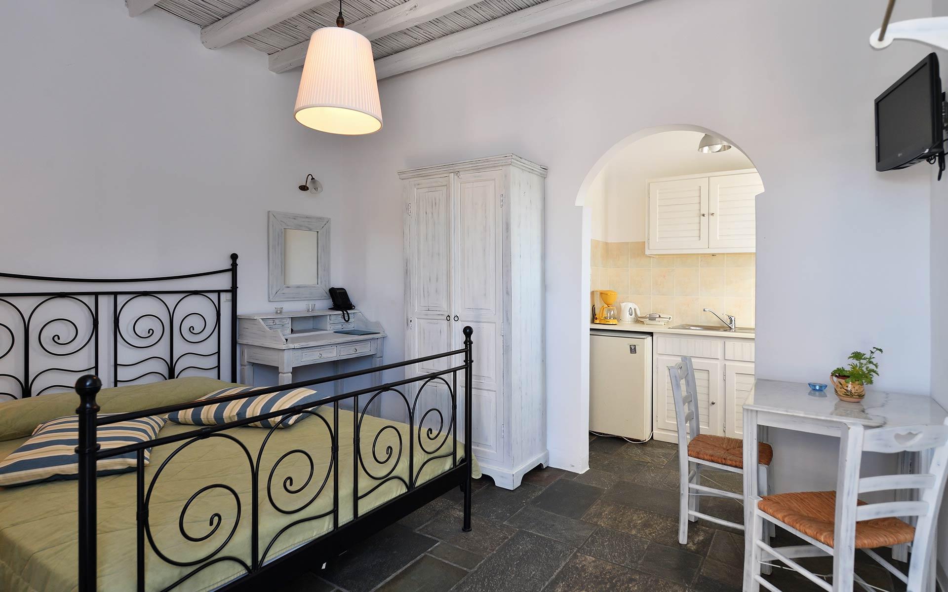 Kalypso Apartments Paros Studios04