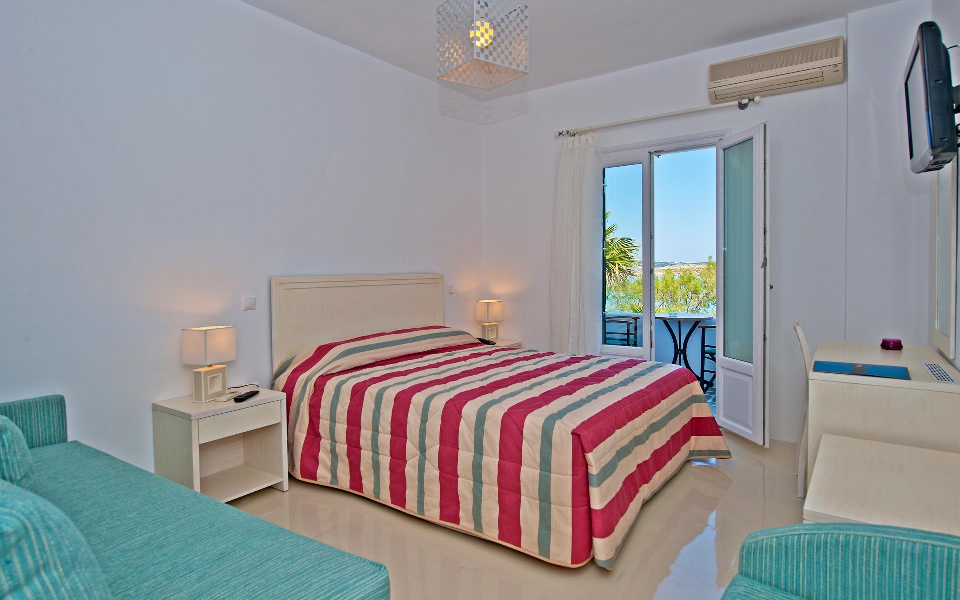 kalypsohotel-rooms-paros3