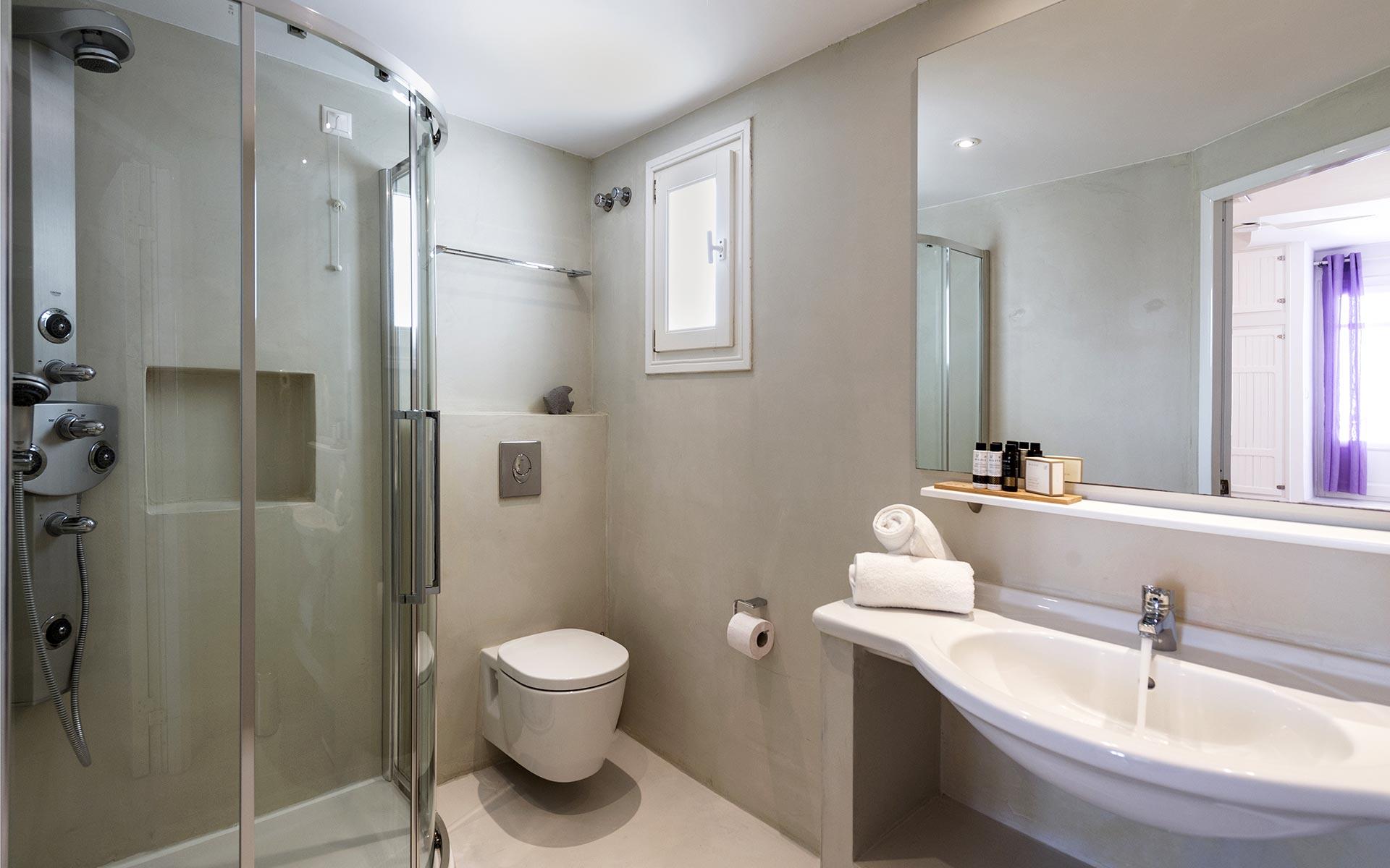 quadruple-room-kalypsohotel-paros-greece03